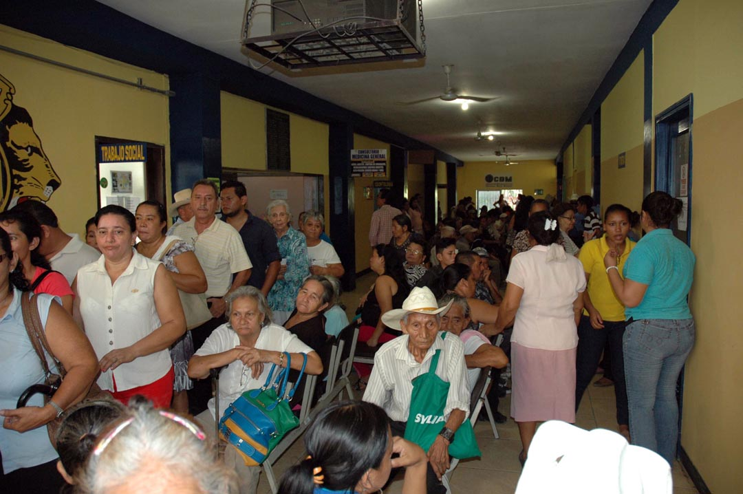 honduras-cataract-waiting-room